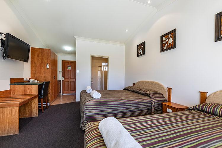 Standard-Queen-Room-2