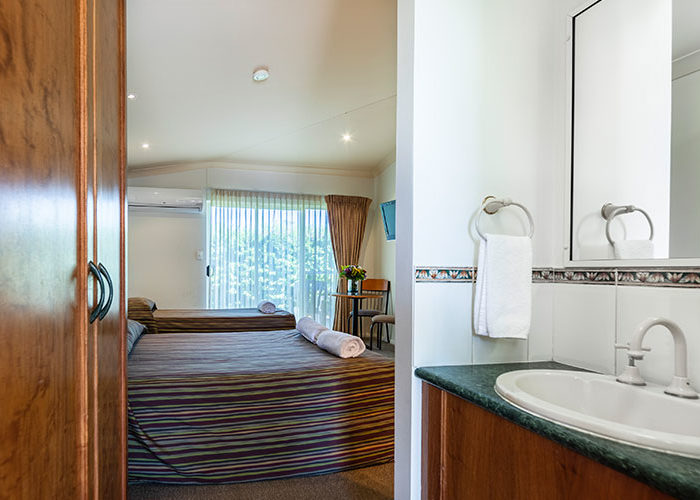 Standard-Twin-Rooms-3
