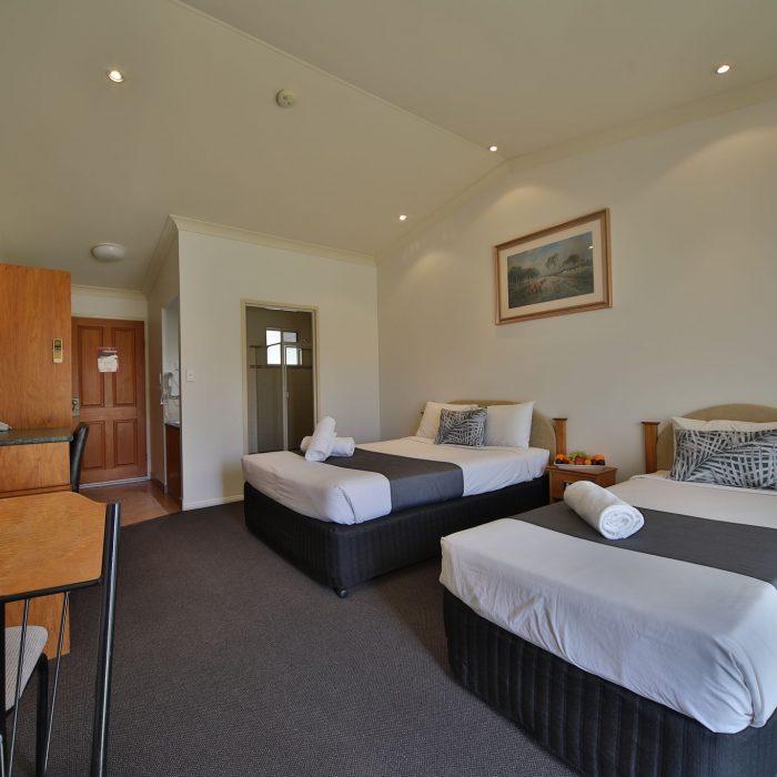 Standard queen room 7