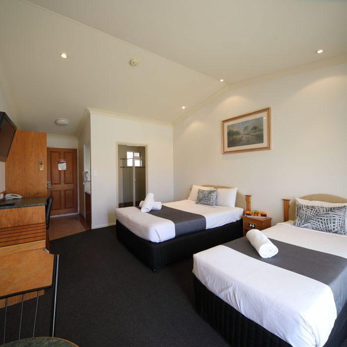 Standard queen room 9